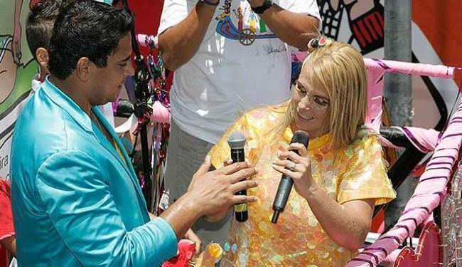 Carla Perez desfilou vestida em Magali, em homenagem às histórias em quadrinhos - Foto: Joá Souza   Agência A TARDE