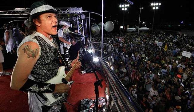 Trio Armandinho Dodô & Osmar mais uma vez saiu sem cordas - Foto: Raul Spinassé | Ag. A TARDE