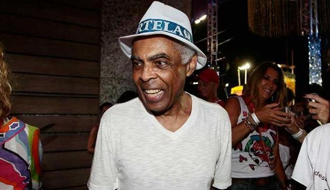Gilberto Gil recebe convidados no camarote 2222 - Foto: Mila Cordeiro | Ag. A TARDE