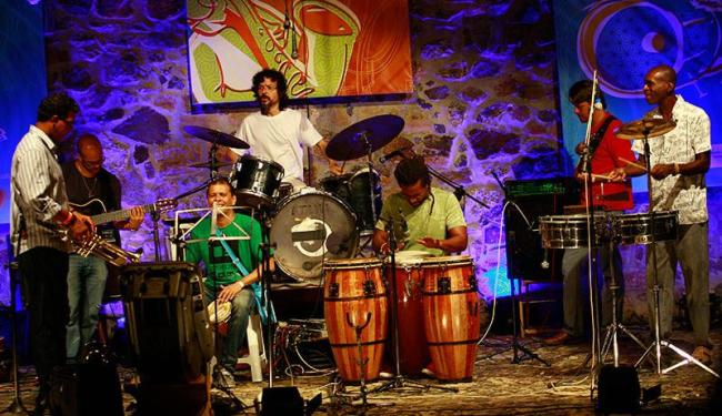 Banda base da Jam recebe músicos convidados - Foto: Margarida Neide   Ag. A TARDE