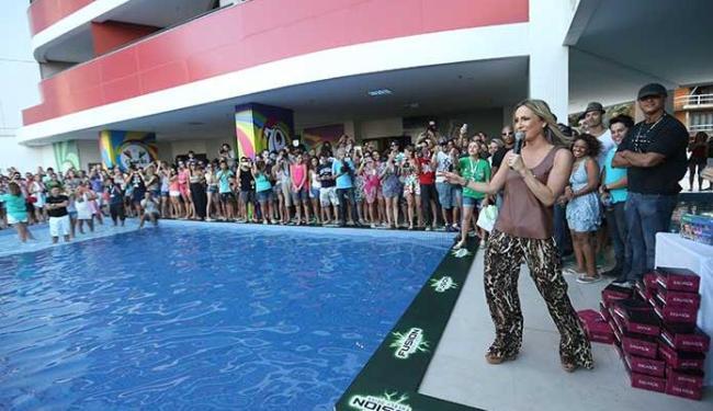 Claudia Leitte recebe hóspedes em hotel durante carnaval - Foto: Raul Spinassé | Ag. A TARDE
