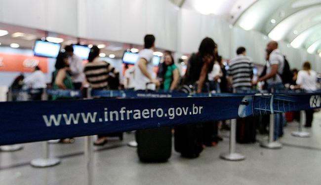 usuários podem se informar sobre alterações nos voos por meio dos canais de atendimento das empresas - Foto: Mila Cordeiro | Ag. A TARDE
