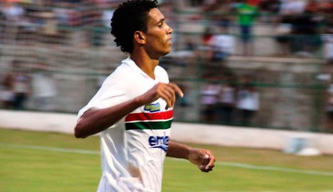 Com oito pontos em cinco jogos, o Serrano é o lider da competição - Foto: Divulgação / Site Oficial do Serrano