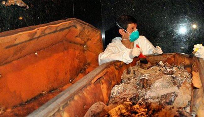 Restos mortais de Dom Pedro I foram exumados pela primeira vez em quase 180 anos - Foto: Divulgação | Valter Diogo Muniz