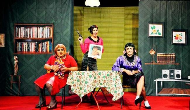 Wilson Macêdo, Wagno Matos e Leonardo Teles estão no espetáculo Jingobel - Foto: Almir Jr. | Divulgação