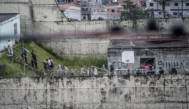 Adolescentes puseram fogo em colchões e quebraram móveis - Foto: Marcelo Camargo   Agência Brasil
