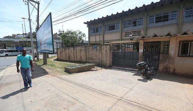 Escola Senador ACM (Vasco da Gama) ficou fechada por conta da paralisação dos docentes - Foto: Raul Spinassé | Ag. A TARDE