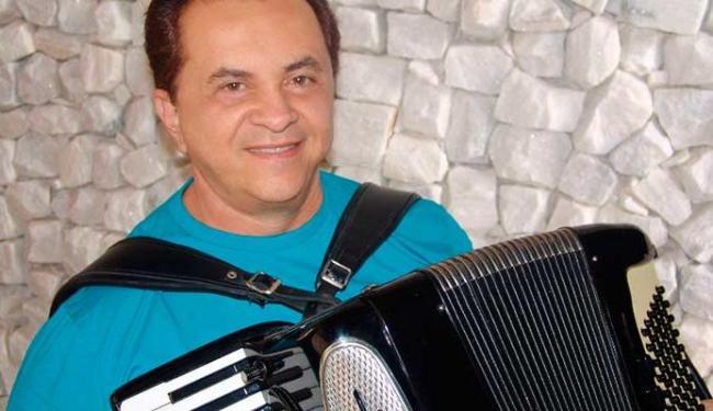 Flávio José vai relembrar sucessos do arrasta-pé - Foto: Divulgação