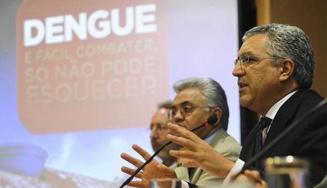 O ministro da Saúde, Alexandre Padilha, apresenta balanço da dengue - Foto: José Cruz l Agência Brasil