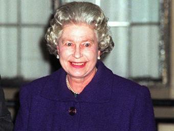 A rainha foi hospitalizada em decorrência de uma gastroenterite - Foto: AP Photo | Adam Butler