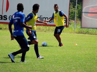 Elenco tricolor participa de treino coletivo e Jorginho aproveita para ajustar detalhes - Foto: Esporte Clube Bahia   Divulgação