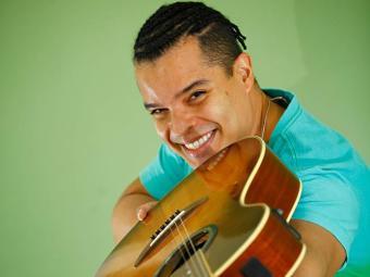 Adelmo Casé canta sucessos do Charlie Brown Jr - Foto: Fernando Vivas   Ag. A TARDE
