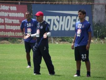Jorginho ainda tem dúvida sobre o titular na lateral-esquerda entre Magal e Jussandro - Foto: Assessoria do Esporte Clube Bahia / Divulgação