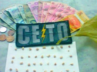 Além da droga, a adolescente portava a quantia de R$ 104 - Foto: PM-BA | Divulgação