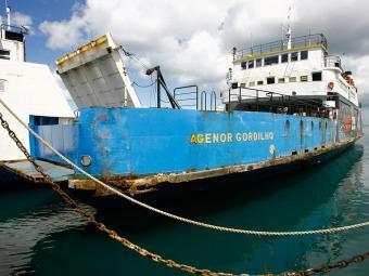 Com o movimento tranquilo, ferries Pinheiro e Agenor Gordilho não estão operação - Foto: Haroldo Abrante | Ag. A TARDE