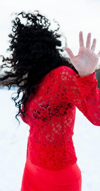 Artista mistura dança, vídeo e performance - Foto: Divulgação