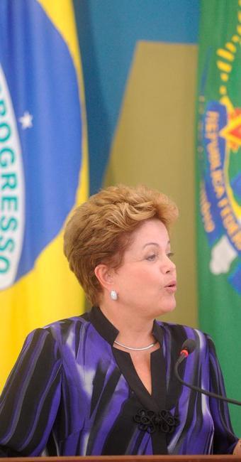 Dilma retornou de Caracas na manhã desta sexta - Foto: EFE   Fernando Bizerra Jr.