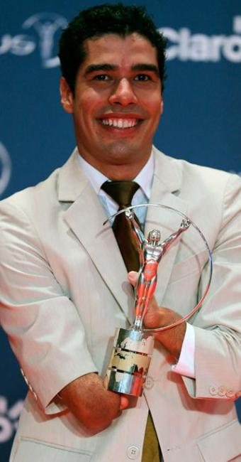 Nadador brasileiro recebeu o prêmio de paratleta do ano no Laureus, considerado o Oscar do Esporte - Foto: Sergio Moraes / Agência Reuters