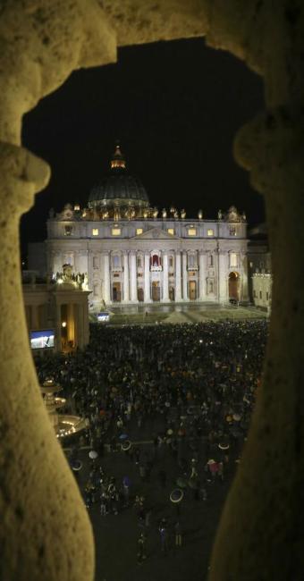 A segurança foi reforçada na área em volta à Praça de São Pedro - Foto: Reuters | Alessandro Bianchi