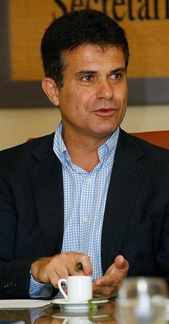 Eduardo Salles, secretário de Agricultura, em seu gabinete - Foto: Marco Aurélio Martins | Ag. A TARDE