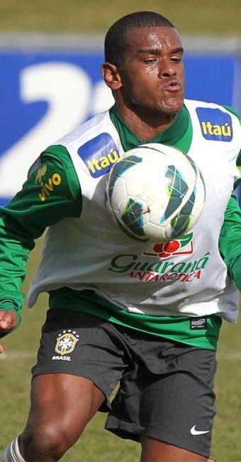 O volante Fernando, 21 anos, será titular no jogo desta quinta, às 16h30 (horário de Brasília) - Foto: Wander Roberto/VIPCOMM