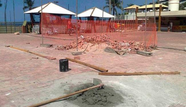 Empresa tinha até a terça, 5, para fazer reparos na praça - Foto: Paula Pitta   Ag. A TARDE