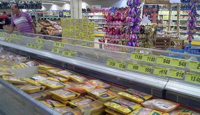 Preço do frango congelado teve alta de 5,54 em janeiro - Foto: Paula Pitta | Ag. A TARDE