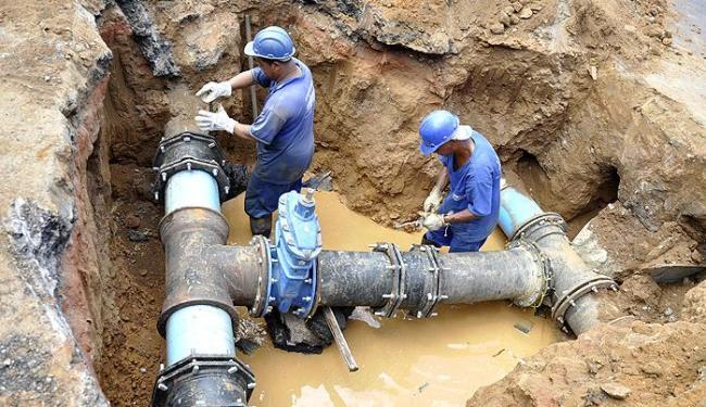 Fornecimento foi interrompido para realizar melhorias na rede distribuidora de água - Foto: Luiz Hermano  Embasa   Divulgação