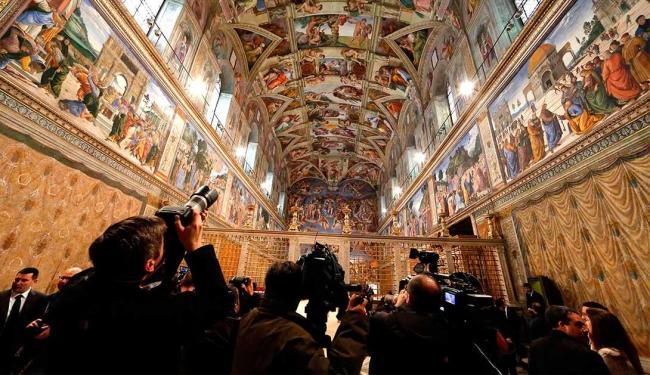 Repórteres-fotográficos já se encontram na cidade do Vaticano desde a renúncia de Bento XVI - Foto: Agência Reuters