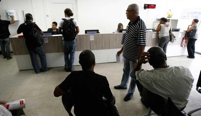 Cartórios administrados pelo TJ-BA passaram a atender usuários somente até as 14h - Foto: Raul Spinassé   Ag. A TARDE