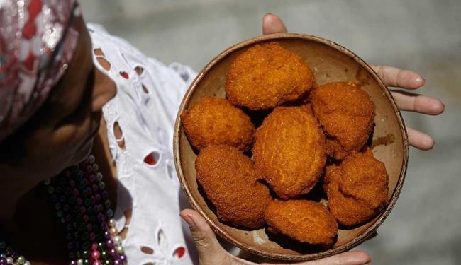 Ecopa diz que não há prazo para definir se acarajé será vendido nos mundiais - Foto: Raul Spinassé | Ag. A TARDE
