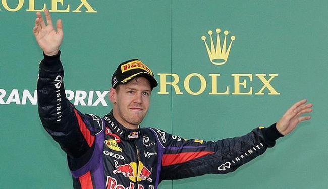 Alemão disse dever desculpas a Mark Webber por ultrapassá-lo - Foto: Reuters