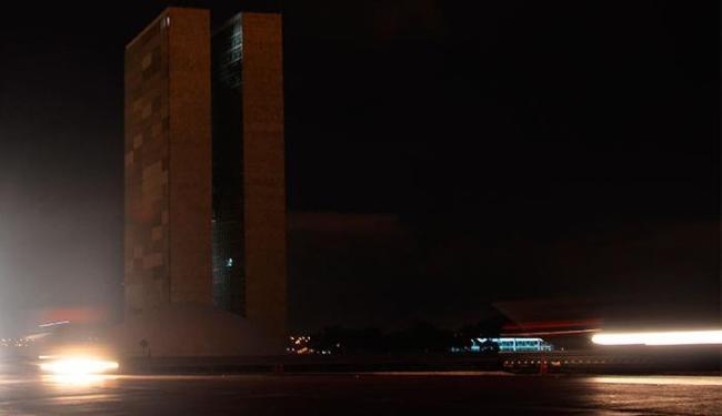 Em Brasília foram apagadas as luzes do Congresso Nacional e da Esplanada dos Ministérios - Foto: Marcello Casal Jr. | Agência Brasil