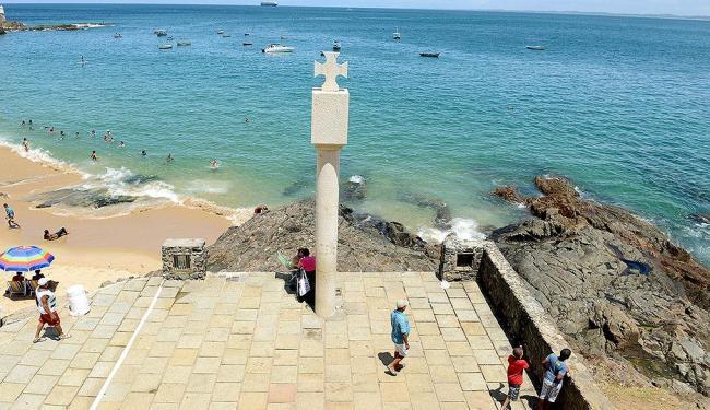 O marco foi instalado no Porto da Barra, em Salvador, no local onde Thomé de Souza desembarcou - Foto: Valter Pontes | Agecom