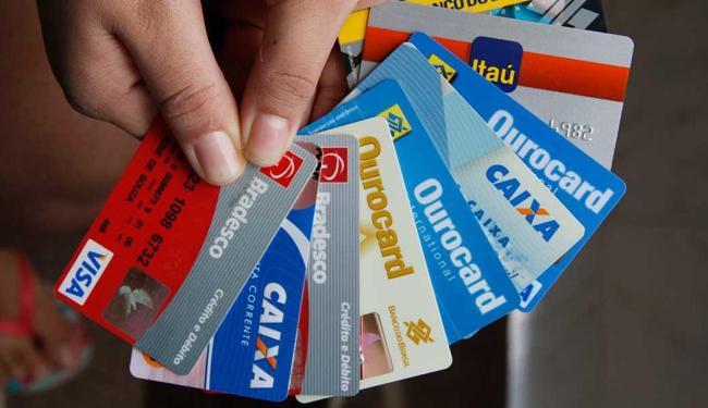 Cuidados com senhas de cartões e dados pessoais evitam ação de estelionatários - Foto: Joá Souza   Ag. A TARDE