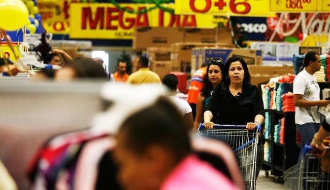 Estabelecimentos terão horários diferenciados no final de semana - Foto: Raul Spinassé | Agência A TARDE