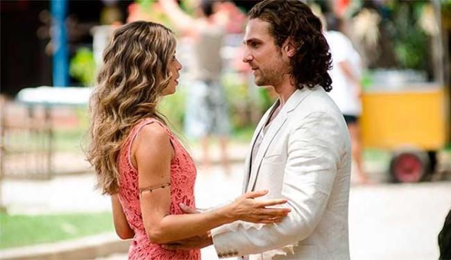 Ester pede Alberto em casamento - Foto: Divulgação