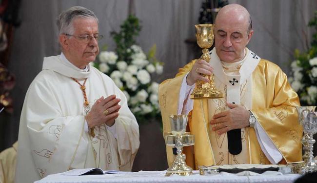 Arcebispo celebrou missa de Santos Óleos - Foto: Lúcio Távora   Ag. A TARDE