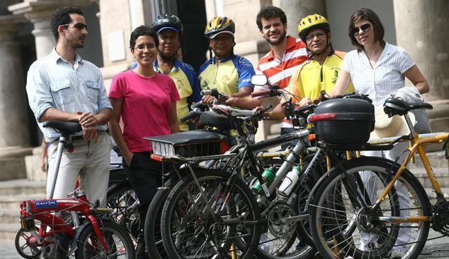 O Bicicletada Massa/Crítica reúne adeptos de várias idades e profissões - Foto: Raul Spinassé   Ag. A TARDE