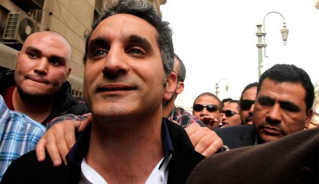 O comediante é acusado, entre outras coisas, de minar a posição do presidente Mohamed Mursi - Foto: Agência Reuters