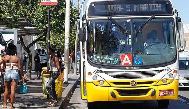 Movimento nos ônibus foi tranquilo no primeiro domingo da meia passagem - Foto: Lúcio Távora   Ag. A TARDE
