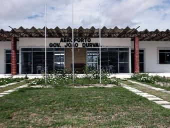 Aeroporto passará por obras de sondagens e outros procedimentos na pista de pouso - Foto: Luiz Tito | Ag. A TARDE