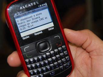O custo do torpedo a cobrar será de R$ 0,30 - Foto: José Silva | Ag. A TARDE 22.03.2012