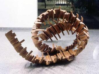 Mostra traz 160 gravuras, objetos, desenhos e esculturas do artista - Foto: Divulgação