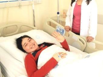 Segundo médicos, gravidez de Derya apresenta muitos riscos - Foto: Reprodução