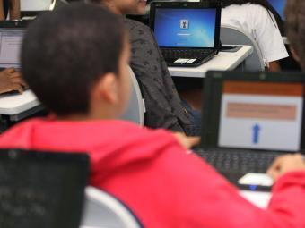 Órgão apura se crianças estão sendo pressionadas a comprar conteúdo em jogos supostamente gratuitos - Foto: Vaner Casaes   Ag. A TARDE