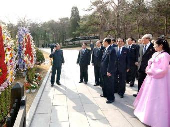 Dirigentes norte-coreanos visitam cidade do fundador Kim Il-sung - Foto: Agência Reuters