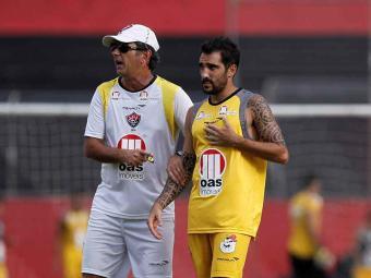 Treinador rubro-negro comanda coletivo e ajusa últimos detalhes antes do jogo contra o Mixto-MT - Foto: Eduardo Martins   Ag. A TARDE