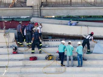Trabalhador foi atingido por uma viga - Foto: Folhapress