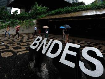 Banco vai liberar mais verba para as pequenas empresas - Foto: Vanderlei ALmeida | AFP Photo